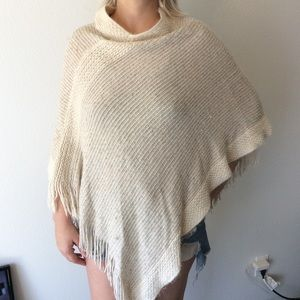 (4 for $25 SALE!) Cejon White and Gold Poncho